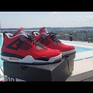 Jordan Retro 4 Red & Black.